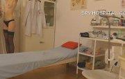 SpyHospital.com - Mente piccola giovane-blowing telecamera spiona femminile medical video